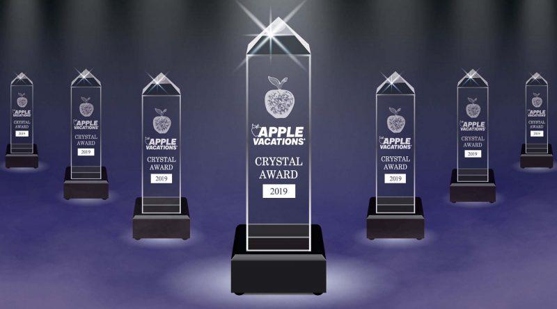 """Gana Riviera  Nayarit  y Puerto Vallarta el """"Crystal Apple Award"""" como Mejor Destino 2019"""