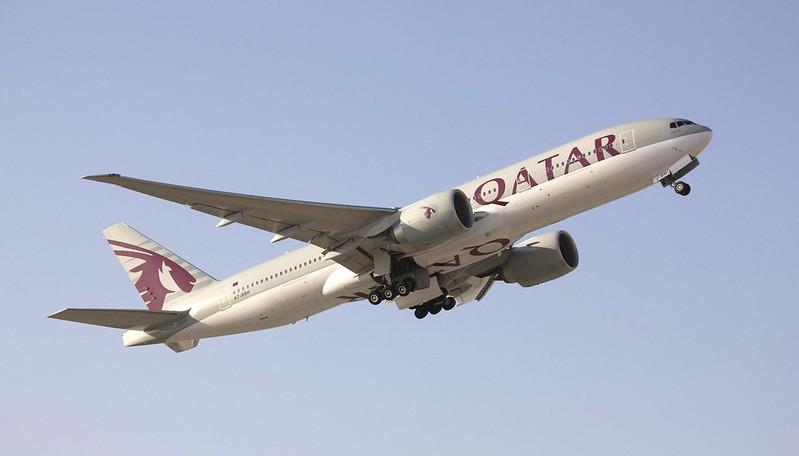 Qatar Airways, avión